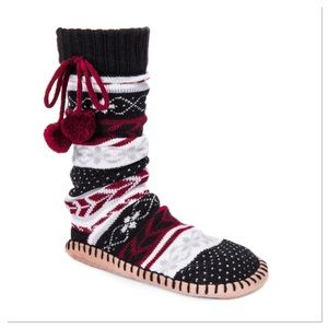 Ebony Pom Pom Slipper Socks